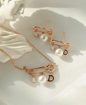 1049388 - <JS348_IF14> [耳环+项链] [银色链条] [银针] Uni夹式珍珠集