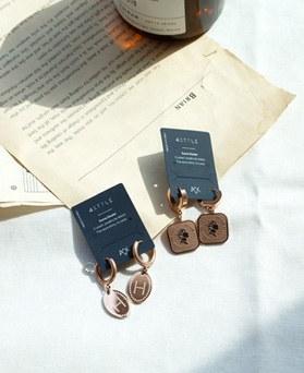 1049597 - <ER2235_GK10> [不锈钢]伊丽莎白一碰耳环